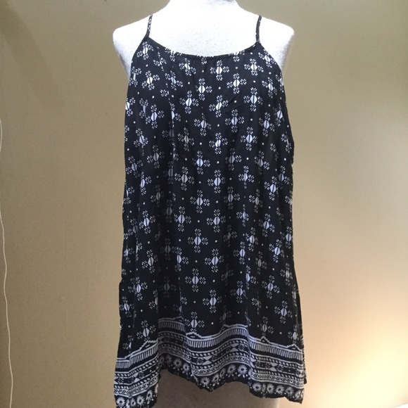 Old Navy Tops - Old Navy T Strap Flowy Tank